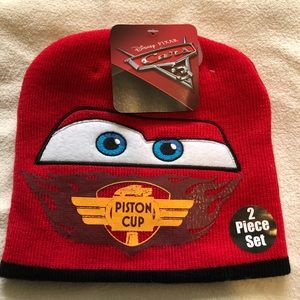 BNWT Cars Lightning McQueen Hat and Mittens Set